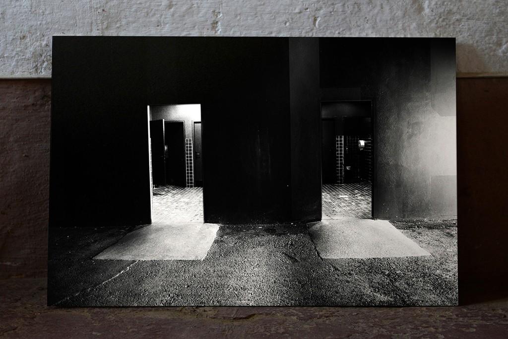 Eugenio Pini: Death in Varanasi 2